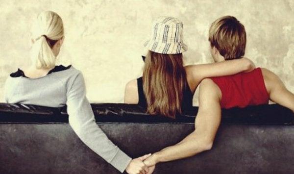 Fortunata-Syndrom - Beziehung einer Frau zu einem Mann, der bereits eine Partnerin hat
