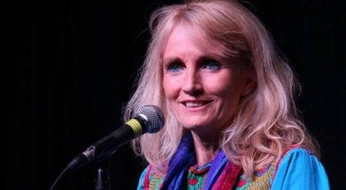 7 Zitate von Suzanne Powell über die Weisheit und Liebe, die dich inspirieren werden