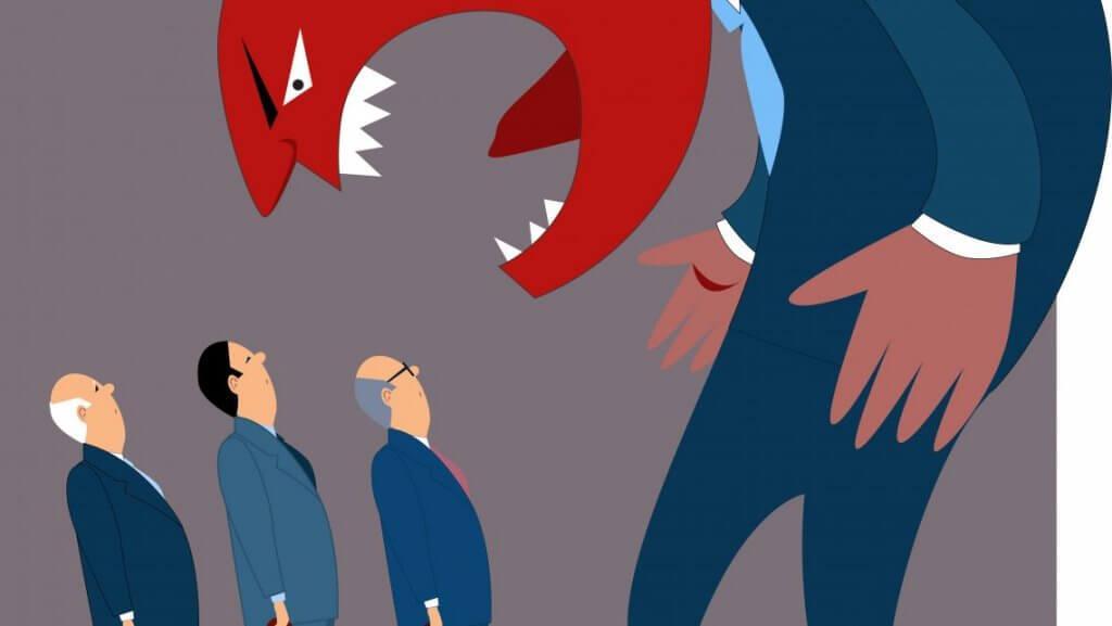Wütender Chef schreit Mitarbeiter an