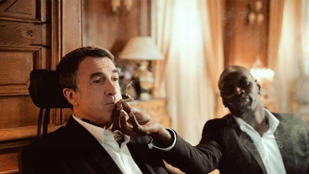 Philippe raucht zusammen mit Driss