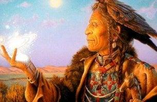Codes für das Leben - Indianer hält Licht in der Hand