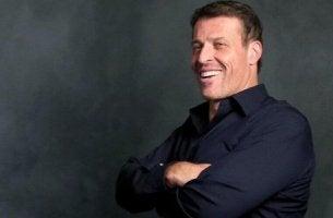 Porträtfoto von Tony Robbins