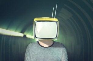 Fernseher als Kopf