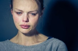 Frau mit Borderline-Persönlichkeitsstörung