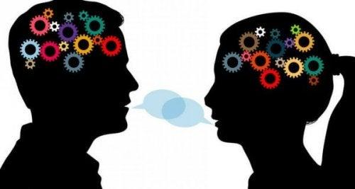 Darstellung zweier kommunizierender Gehirne