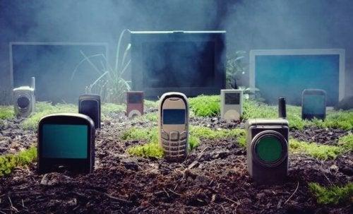 Mobiltelefone auf einem Friedhof