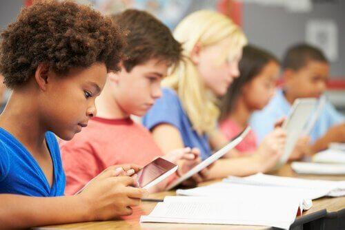 Jerome Bruners 9 Theorien für bessere Bildung