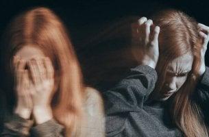 Verzweifeltes Mädchen