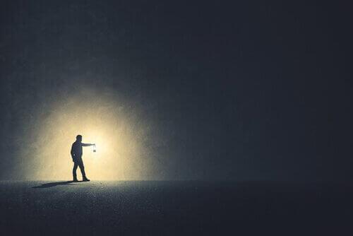 Brauchen wir die Dunkelheit, um klarer sehen zu können?
