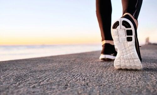 Die Vorteile von Power-Walking auf die psychische Gesundheit