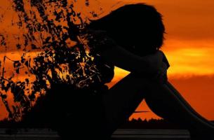 Silhouette einer fragmentierten Frau