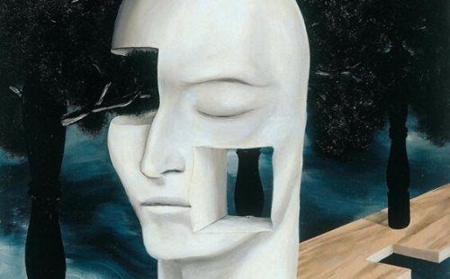 Weißes Gesicht mit Ausschnitten