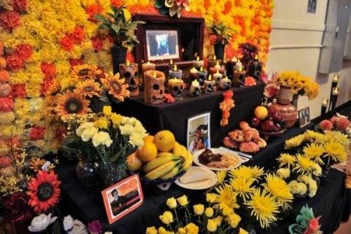 Altar am Tag der Toten, um die zu ehren, die nicht mehr da sind