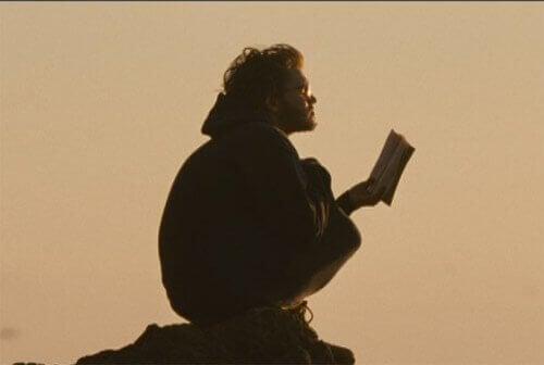 Christopher liest ein Buch