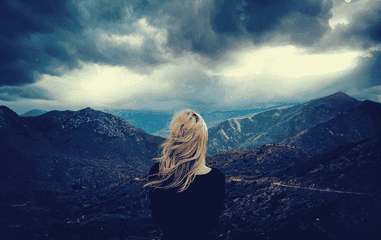 7 Anzeichen dafür, dass jemand eine selbstzerstörerische Person ist