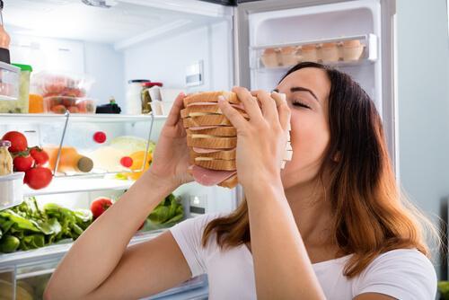 Theorien über Hunger: Warum essen wir?