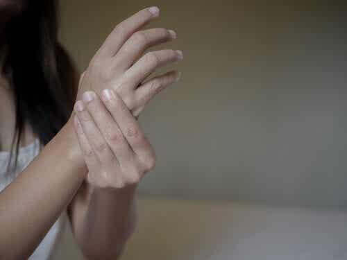 Negative Emotionen und rheumatoide Arthritis: In welcher Beziehung stehen sie zueinander?