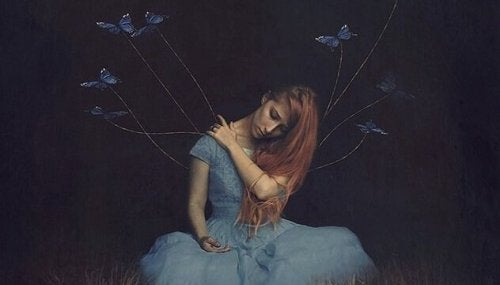 Frau, von der Fäden mit Schmetterlingen ausgehen