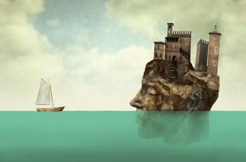 Gesicht mit Gebäuden vor einem Schiff