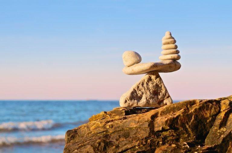 Steintürmchen am Strand