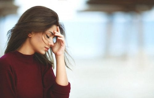Frau leidet an Stress