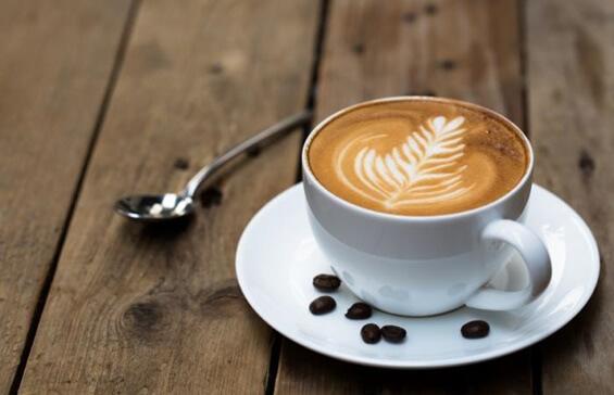 Der Geruch von Kaffee stimuliert unser Gehirn und verbessert kognitive Prozesse