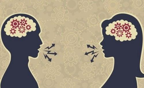 Zwei Figuren kommunizieren als Symbol für ein gutes Gespräch