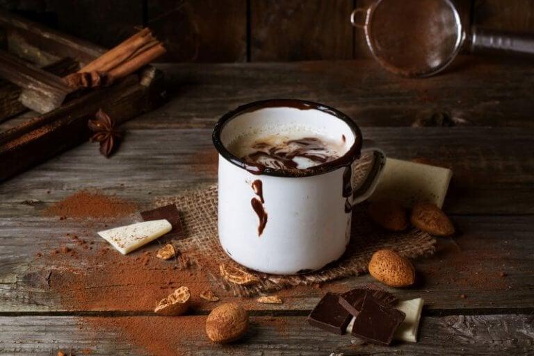 Eine Tasse heiße Schokolade