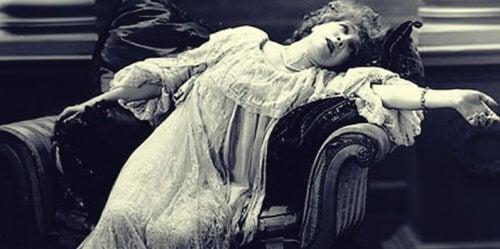 Hypnotisierte Frau