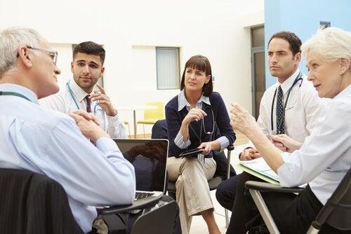 Psychologisches Debriefing bei einer therapeutischen Sitzung