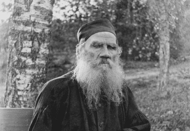 Schwarz-Weiß-Aufnahme von Tolstoi