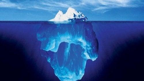 Eisberg als Symbol für die Welt des Bewussten und des Unbewussten