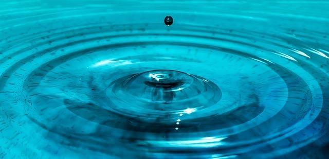Wasser, das Kreise zieht