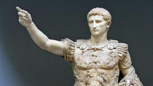 Statue von Kaiser Augustus