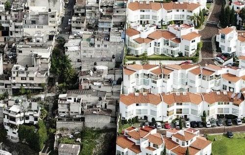 Die Gegenüberstellung von einem armen und reichen Viertel zeigt die soziale Disparität.