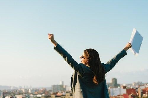 Hohes Engagement am Arbeitsplatz macht doppelt glücklich.