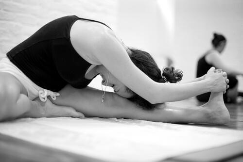 Bikram-Yoga: Merkmale und Vorteile