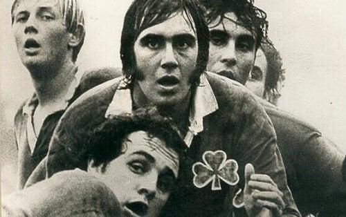 Nando Parrado und ein paar Teammitglieder beim Rugby