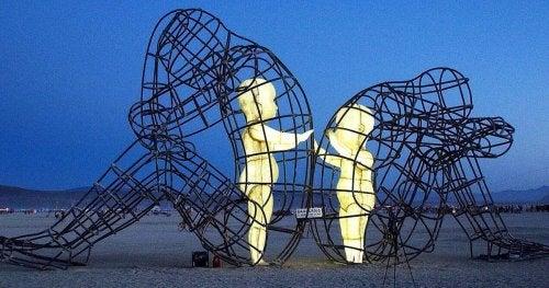 Love - Skulptur von Alexander Milov
