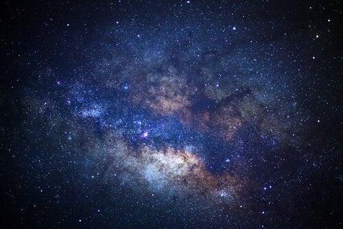 Menschen mit Apeirophobie vermeiden es, über das Universum nachzudenken.