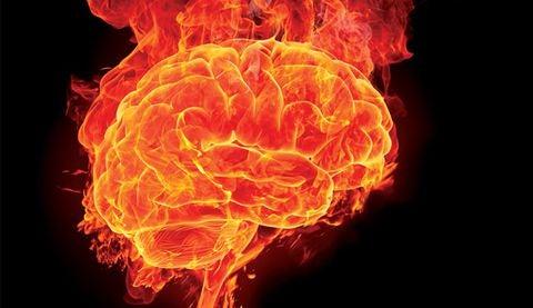 Gehirn aus Flammen