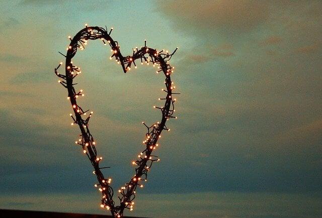 Ein Herz aus Lichtern