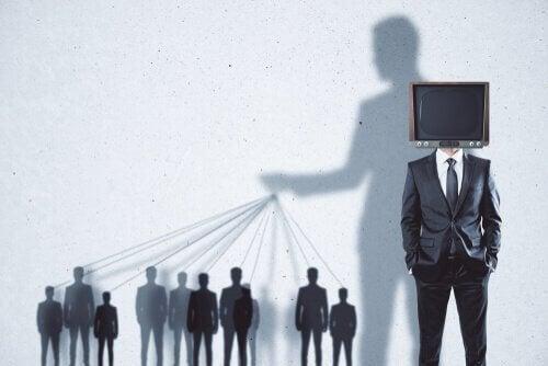 3 politische Propagandataktiken