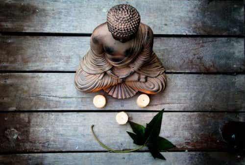 Wie wir laut dem Buddhismus mit Angst umgehen sollten