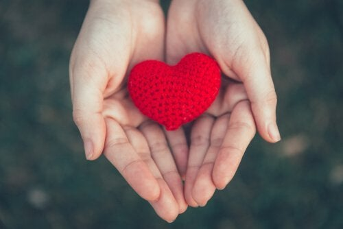 Ein Herz in offenen Händen