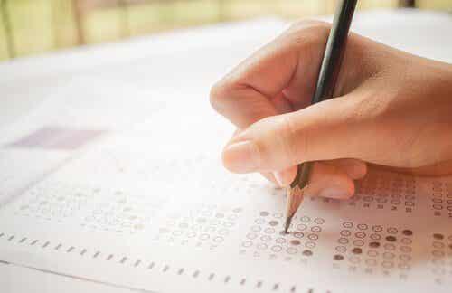 Der psychologische Test: Eigenschaften und Funktionen
