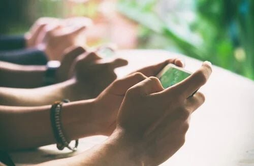 Digital Detox: sich trennen, um sich zu verbinden