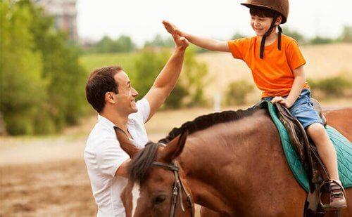 6 Vorteile der pferdegestützten Therapie