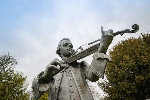Mozart spielt Geige
