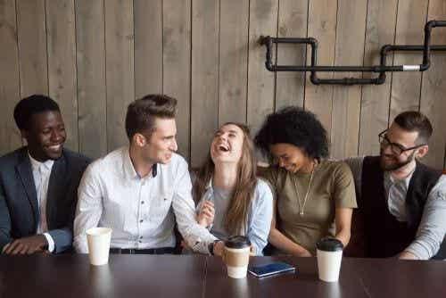 Soziometer-Theorie: Wie wichtig sind uns die Meinungen unserer Mitmenschen?